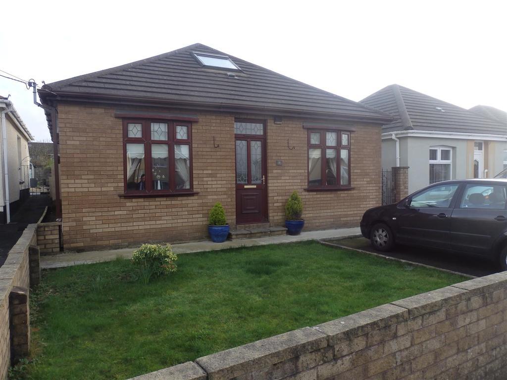 3 Bedrooms Detached Bungalow for sale in Penllwyngwyn Road, Llanelli