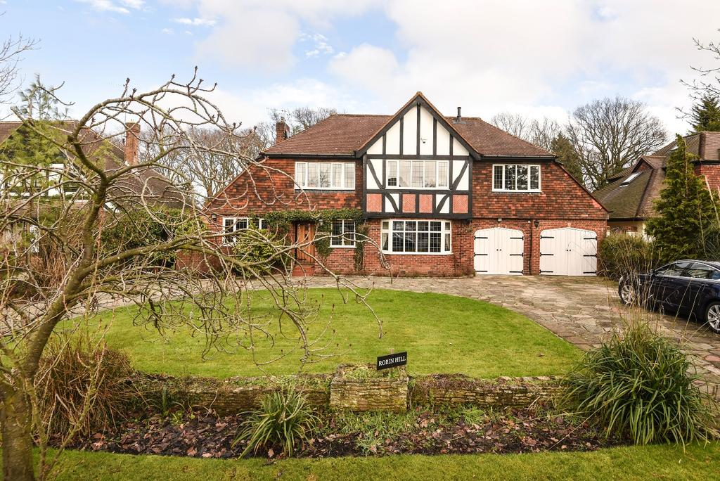 6 Bedrooms Detached House for sale in Wood Way Farnborough Park BR6