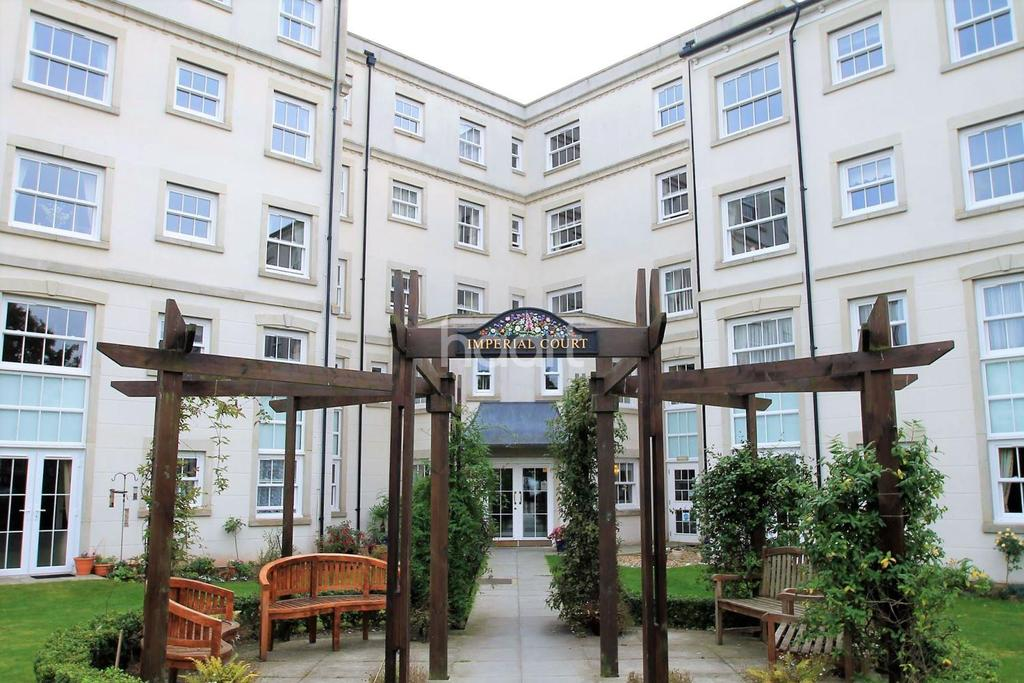1 Bedroom Flat for sale in Imperial Court, Clacton-on-Sea