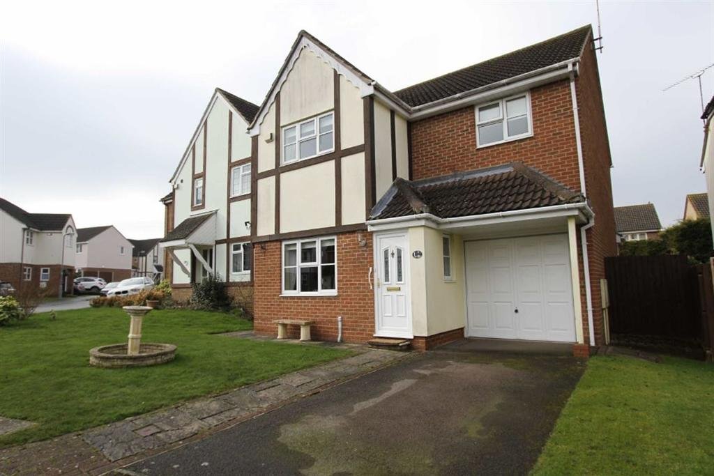 4 Bedrooms Detached House for sale in Lampern Mews, Billericay, Essex, CM12 0FG