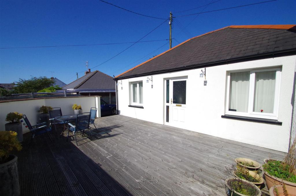 3 Bedrooms Detached Bungalow for sale in Southlands