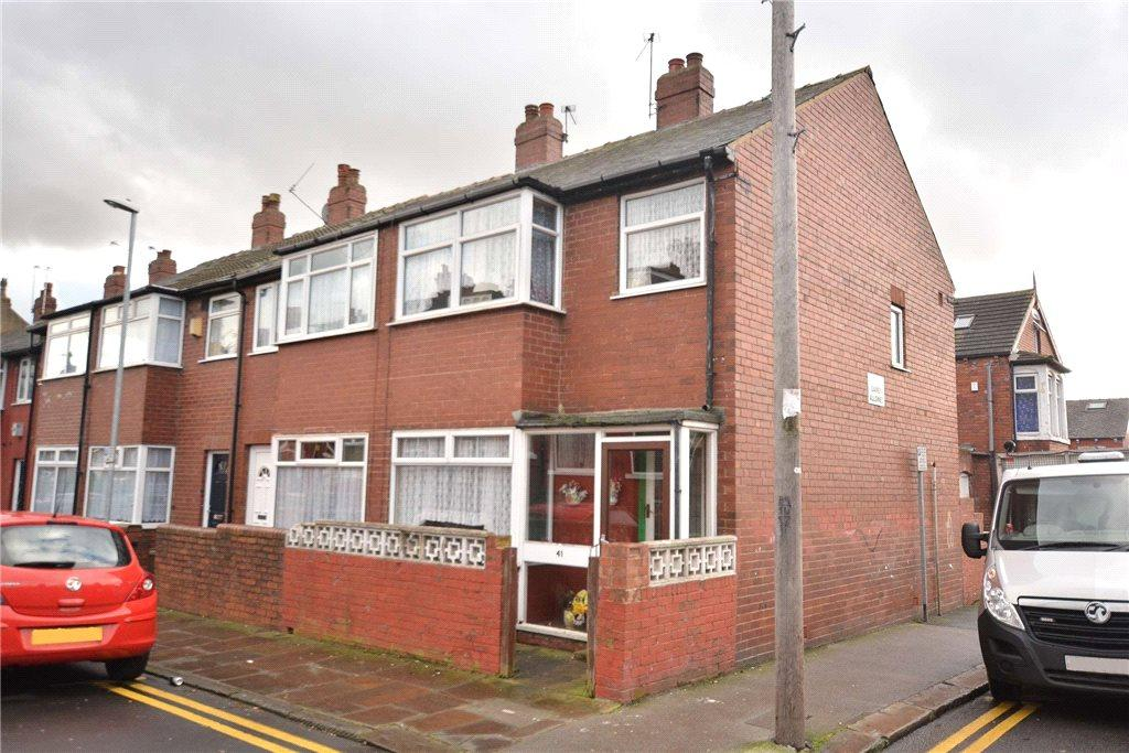 3 Bedrooms Terraced House for sale in Broughton Avenue, Harehills, Leeds