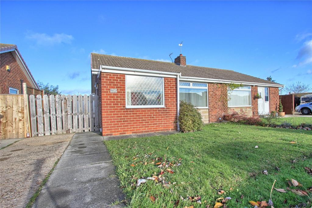 2 Bedrooms Semi Detached Bungalow for sale in Castle Road, Redcar