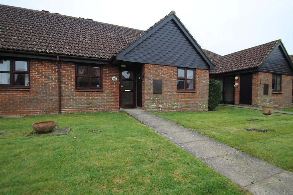 2 Bedrooms Retirement Property for sale in Bramley Court, Marden, Tonbridge