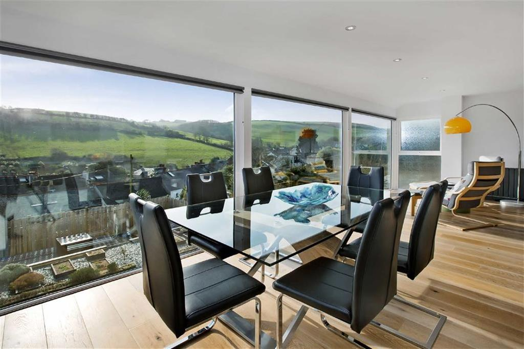 4 Bedrooms Detached House for sale in St. Andrews Street, Millbrook Torpoint, Cornwall, PL10