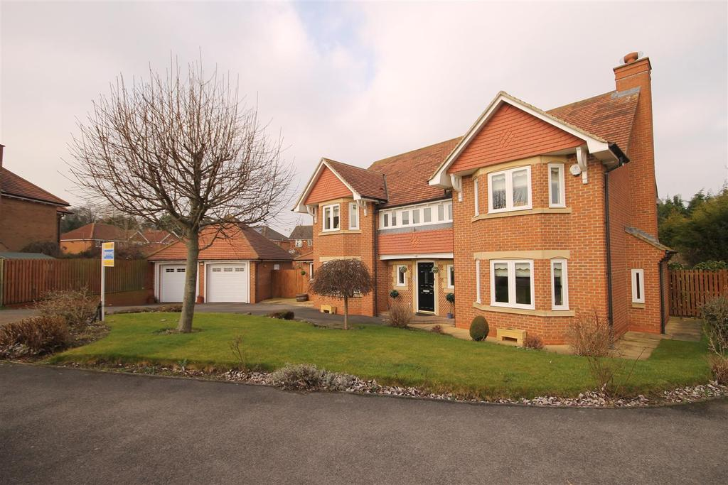 5 Bedrooms Detached House for sale in Knightsbridge Gardens, Tunstall Park, Hartlepool