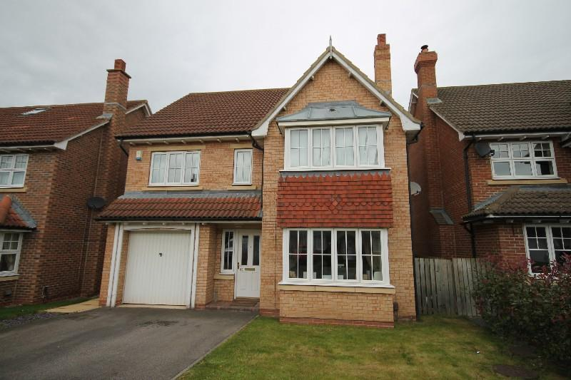 4 Bedrooms Detached House for sale in Nevern Crescent Ingleby Barwick, Stockton-On-Tees