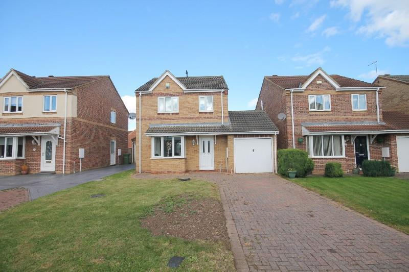 3 Bedrooms Detached House for sale in Littondale Court, Ingleby Barwick