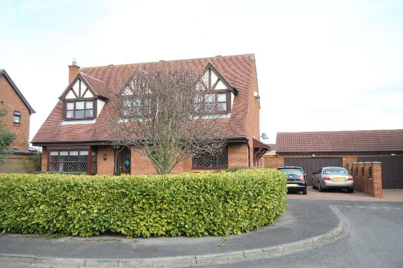 4 Bedrooms Detached House for sale in Aylsham Close Ingleby Barwick, Stockton-On-Tees