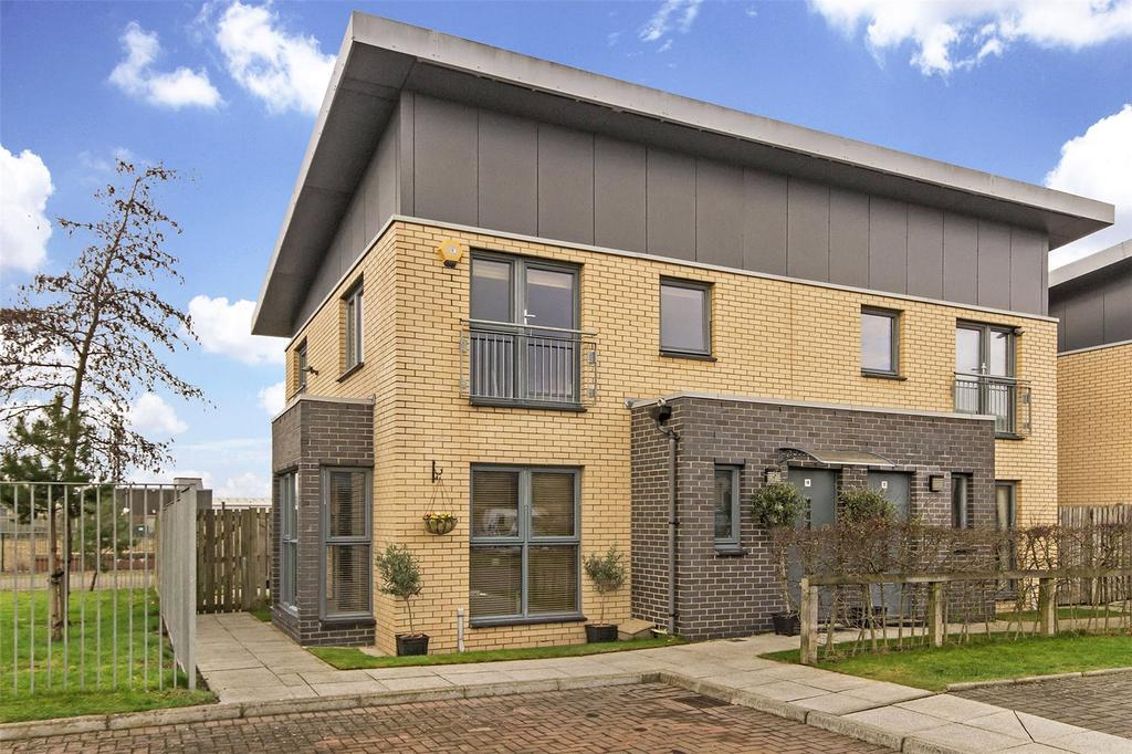 3 Bedrooms Semi Detached House for sale in 14 Vicarfield Place, Govan, Glasgow, G51