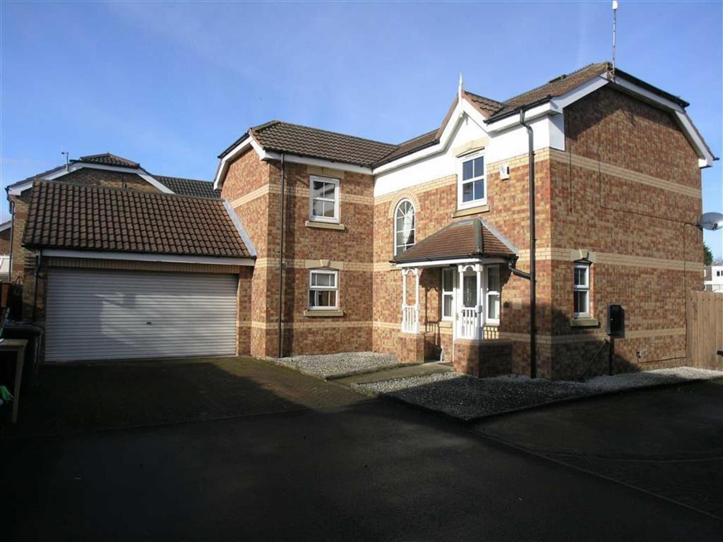 4 Bedrooms Detached House for sale in Catherine McAuley Close, Hull