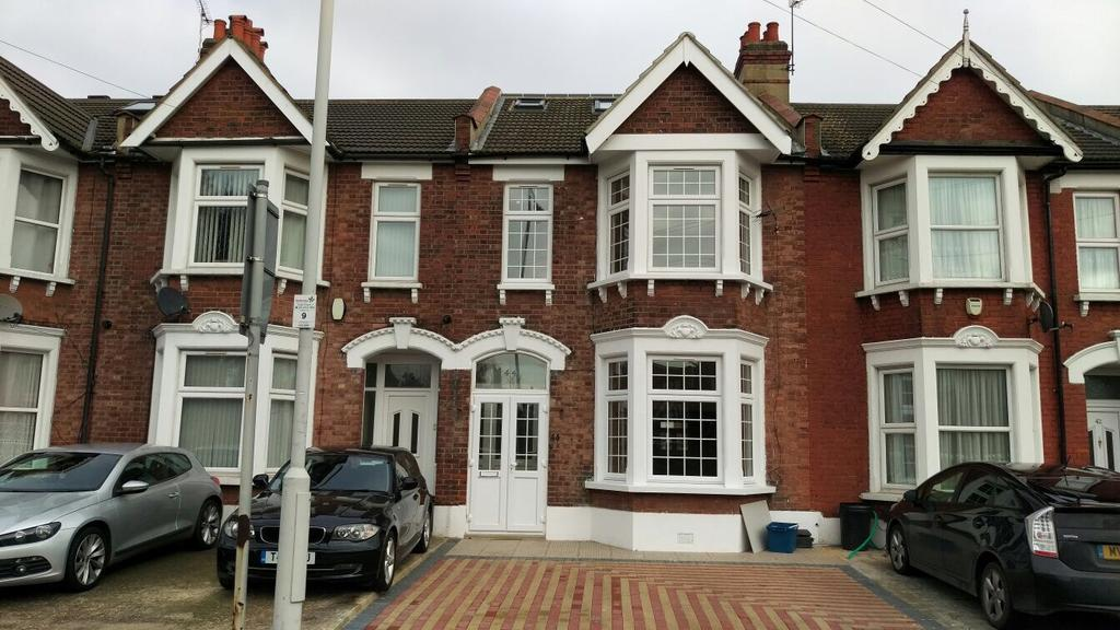6 Bedrooms Terraced House for sale in PERTH ROAD, ILFORD, LONDON IG2