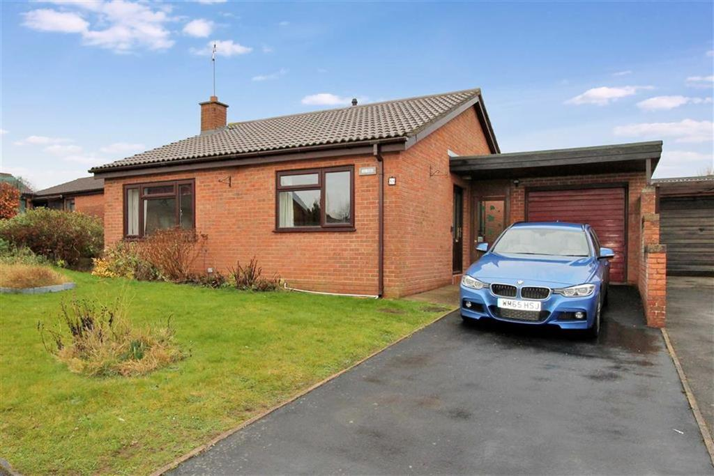 2 Bedrooms Detached Bungalow for sale in Court Road, Ross-on-Wye