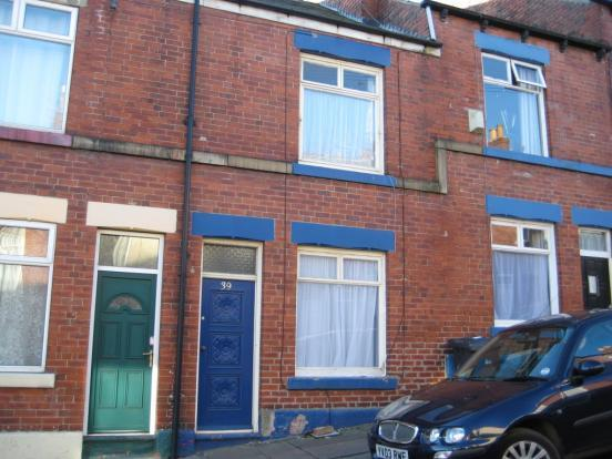 3 Bedrooms Terraced House for rent in Hawksworth Road, Walkley, Sheffield S6