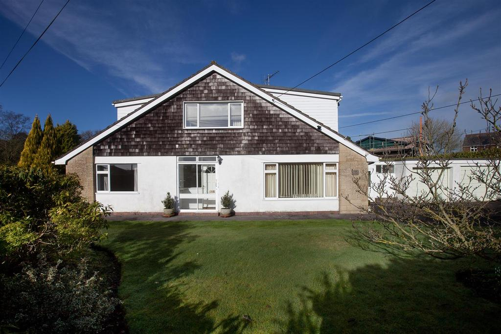 3 Bedrooms Bungalow for sale in Alderbury