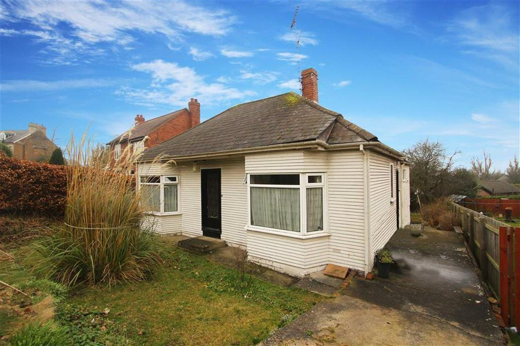 3 Bedrooms Bungalow for sale in Hexham Old Road, Ryton