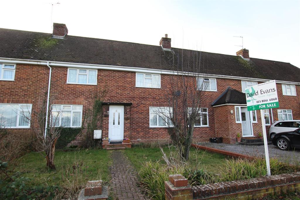 3 Bedrooms Terraced House for sale in Magpie Lane, Eastleigh
