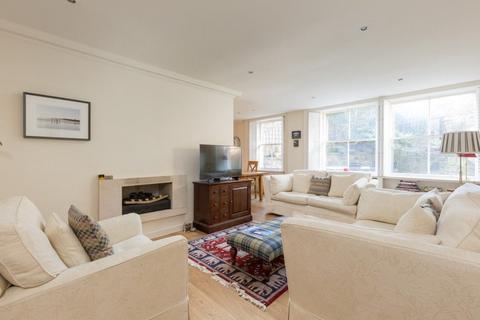 3 bedroom property to rent - 6b Glenfinlas Street