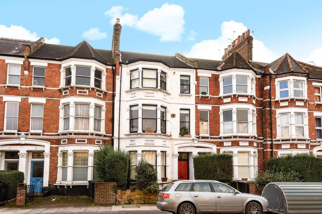 2 Bedrooms Flat for sale in Stapleton Hall Road, Stroud Green, N4