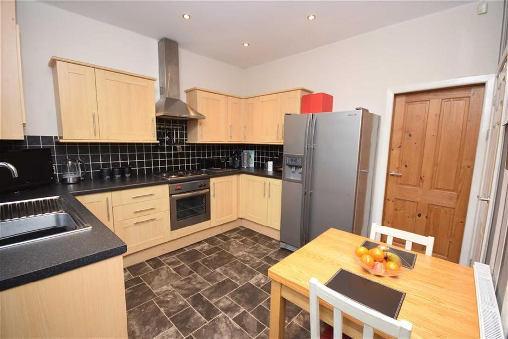 2 Bedrooms Terraced House for sale in Langroyd Road, Colne, Lancashire