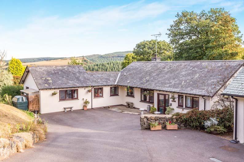 5 Bedrooms Detached House for sale in Drewsteignton EX6