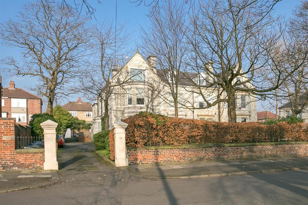 2 Bedrooms Penthouse Flat for sale in Clifton Road, Grainger Park, Newcastle upon Tyne