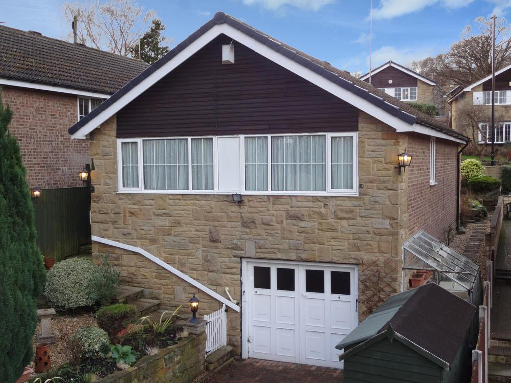 2 Bedrooms Detached Bungalow for sale in Woodside Court, Horsforth