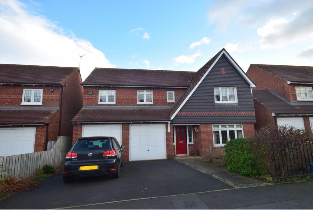 4 Bedrooms Detached House for sale in Sea View Road West, Sunderland