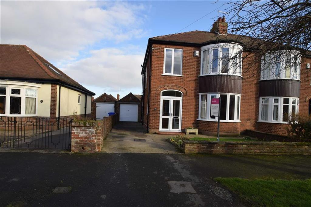 3 Bedrooms Semi Detached House for sale in Fourth Avenue, Bridlington, East Yorkshire, YO15