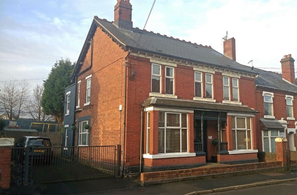 6 Bedrooms End Of Terrace House for sale in 8 Haden Road, CRADLEY HEATH, West Midlands