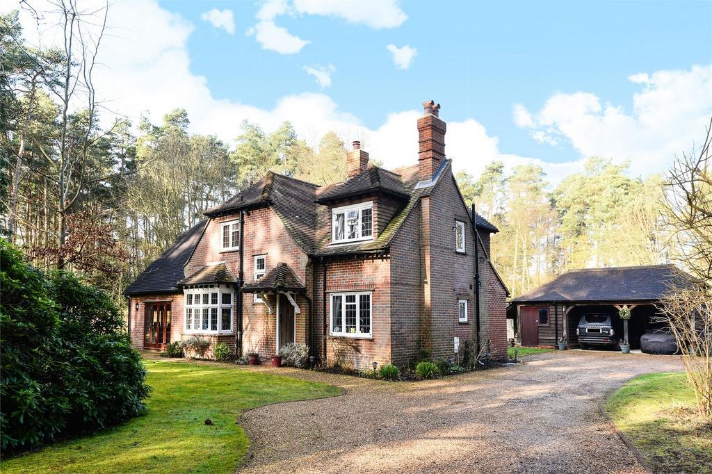 4 Bedrooms Detached House for sale in Elstead, Godalming, Surrey
