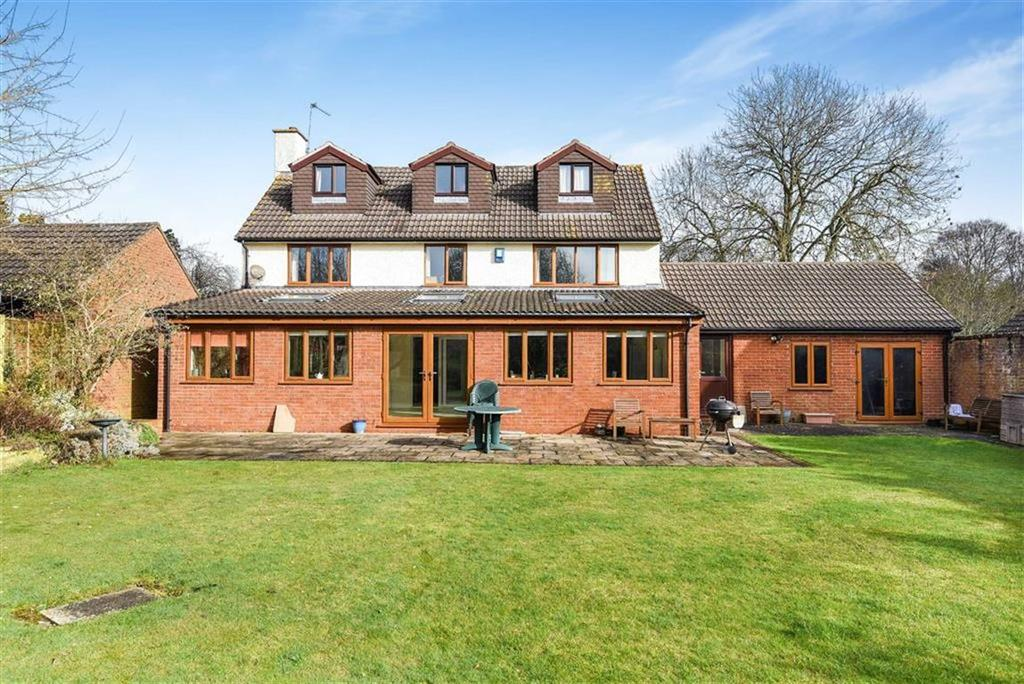 6 Bedrooms Detached House for sale in Queens Drive, Taunton, Taunton, Somerset, TA1
