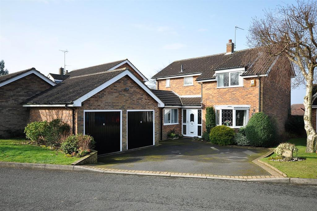 4 Bedrooms Detached House for sale in Berry Hill Gardens, Mansfield