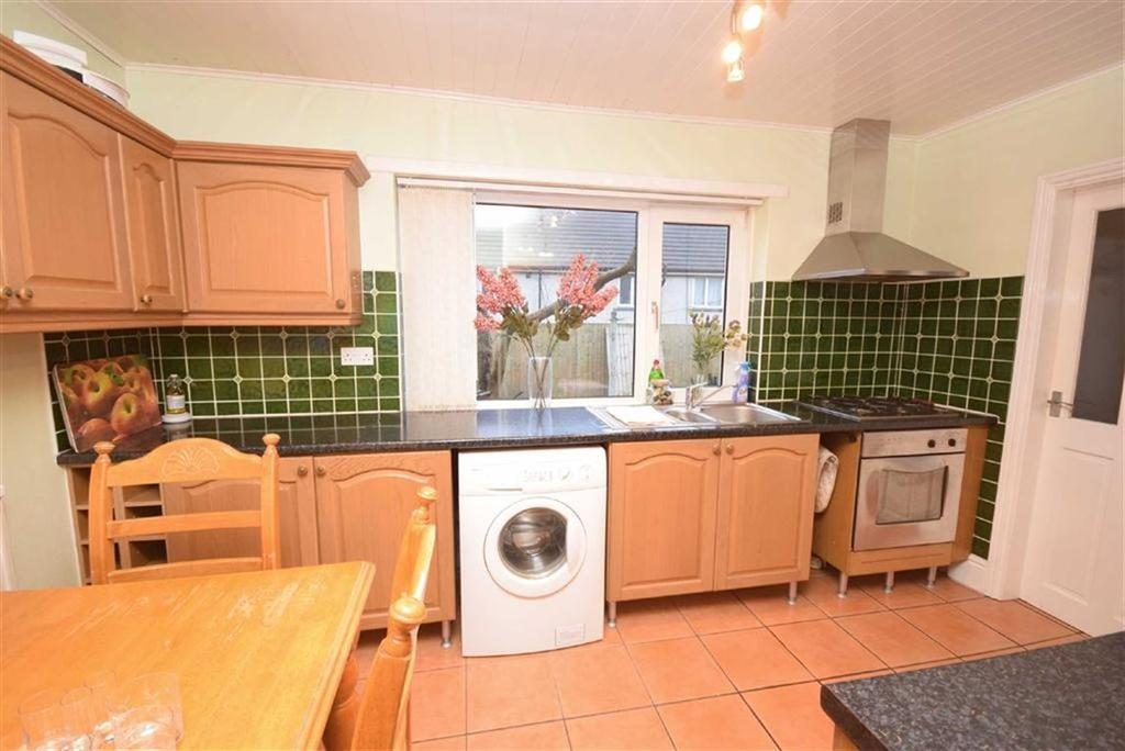 3 Bedrooms Terraced House for sale in Fern Street, Colne, Lancashire