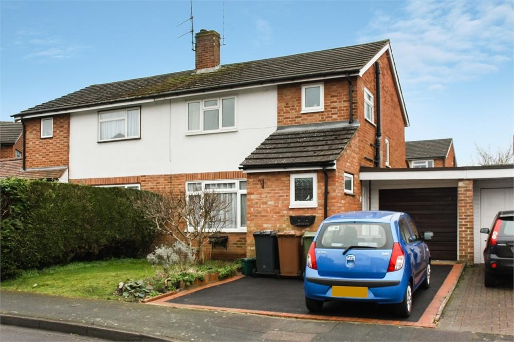 3 Bedrooms Semi Detached House for sale in Salisbury Road, Ash, ALDERSHOT, Hampshire