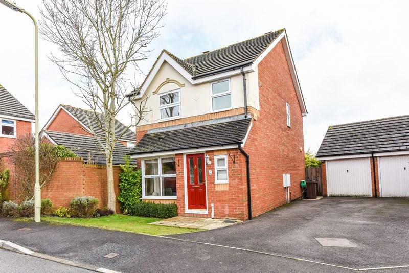 3 Bedrooms Detached House for sale in Leyton Way, Andover