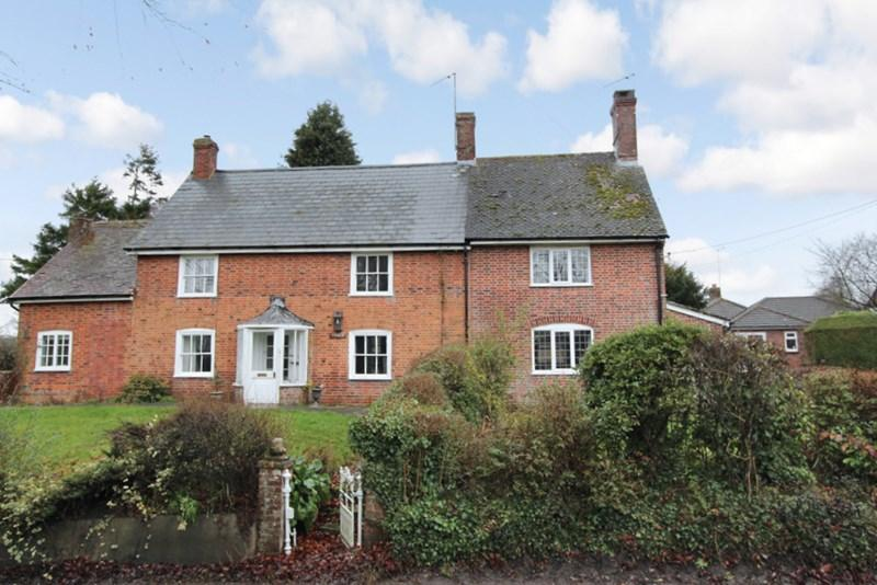 5 Bedrooms Village House for sale in Child Okeford, Dorset