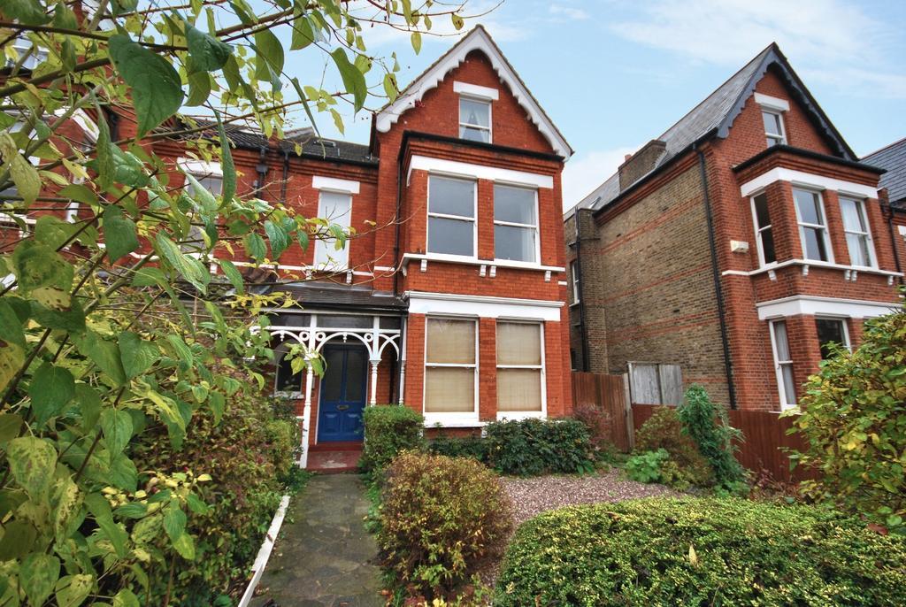 2 Bedrooms Flat for sale in Crescent Road Beckenham BR3