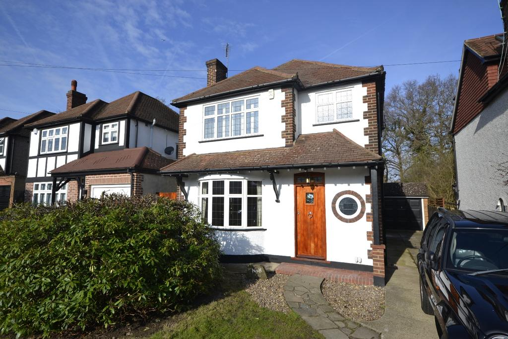 3 Bedrooms Detached House for sale in Hayes Chase West Wickham BR4
