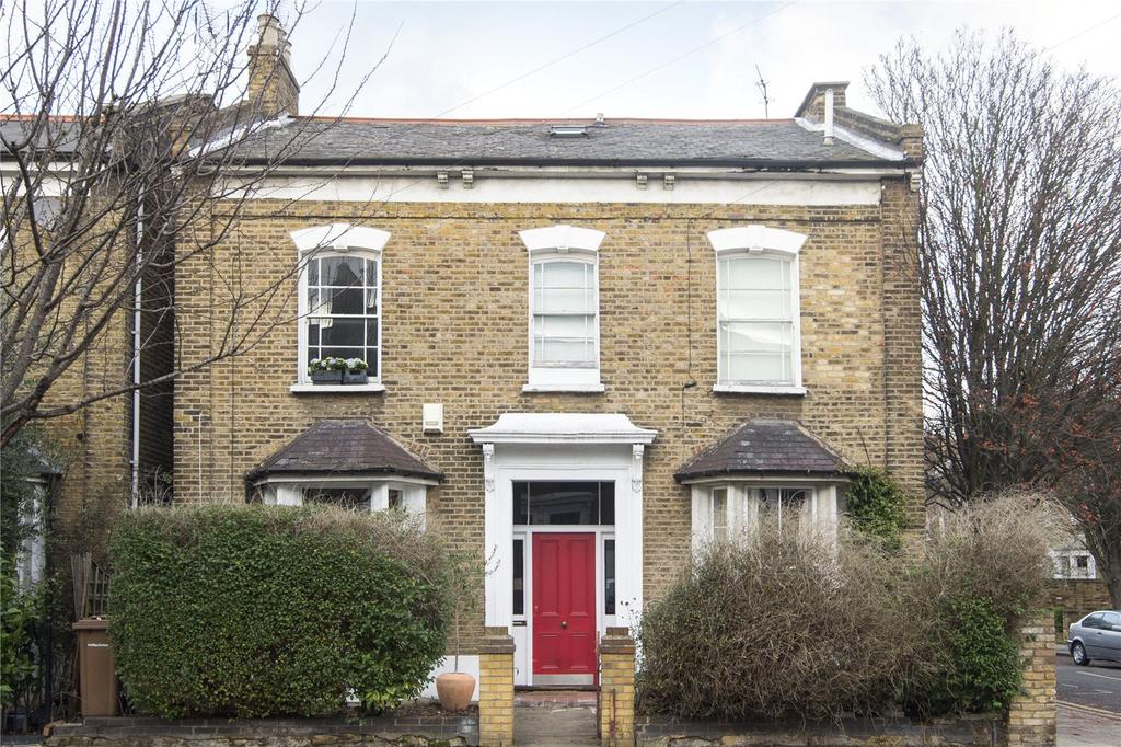 2 Bedrooms Flat for sale in Forest Road, London, E8