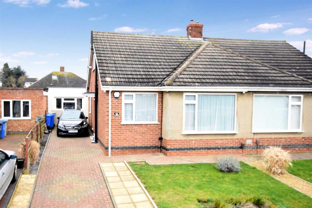 2 Bedrooms Semi Detached House for sale in Rydalside, Kettering