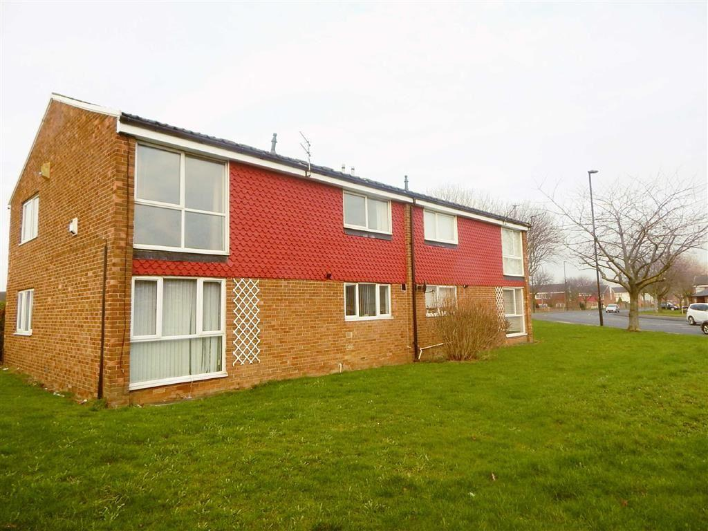 2 Bedrooms Apartment Flat for sale in Bodmin Close, Battle Hill, Wallsend, NE28