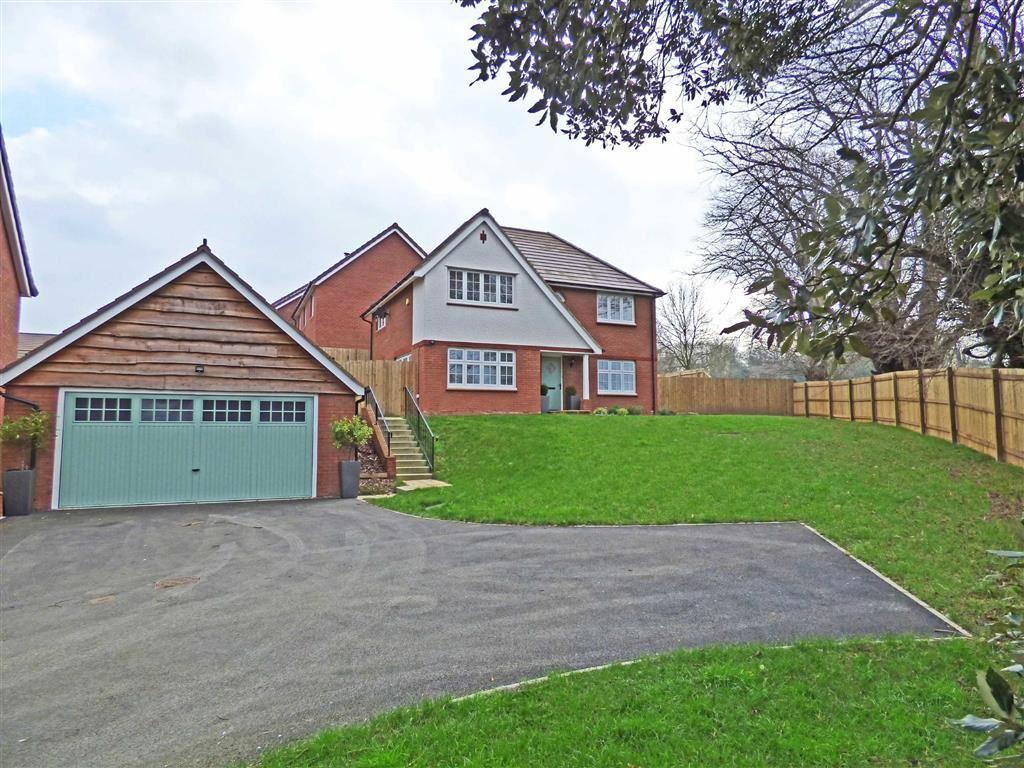 4 Bedrooms Detached House for sale in Blackmore Avenue, Bideford, Devon, EX39
