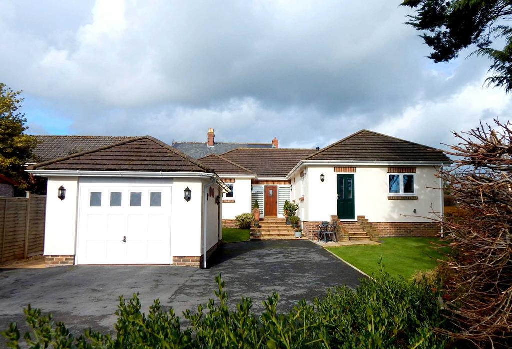 4 Bedrooms Detached Bungalow for sale in Fairview Lane, Colyford, Colyton