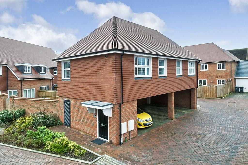 2 Bedrooms Apartment Flat for sale in Clarence Way, Kings Hill