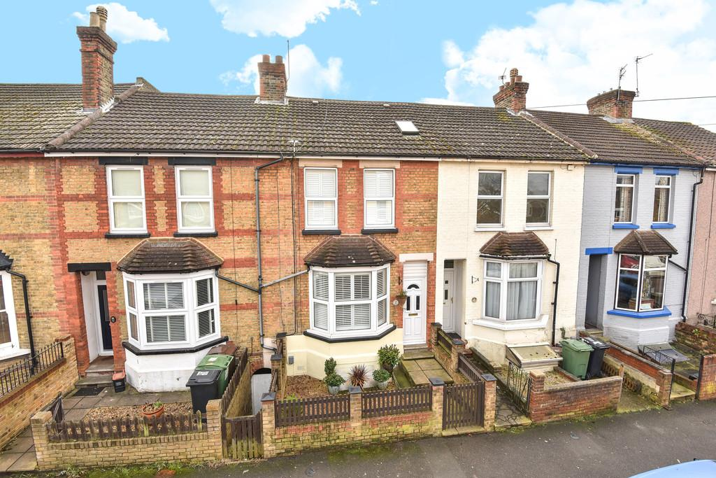 4 Bedrooms Terraced House for sale in Campbell Road, Maidstone
