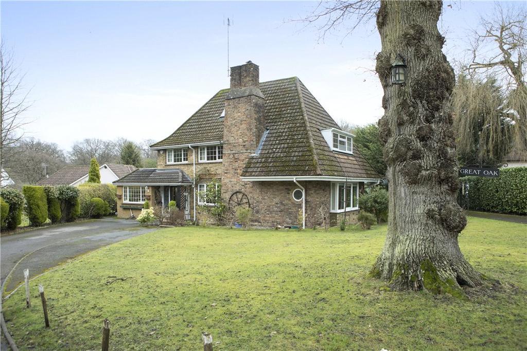 4 Bedrooms Detached House for sale in Oak Grange Road, West Clandon, Guildford, Surrey, GU4