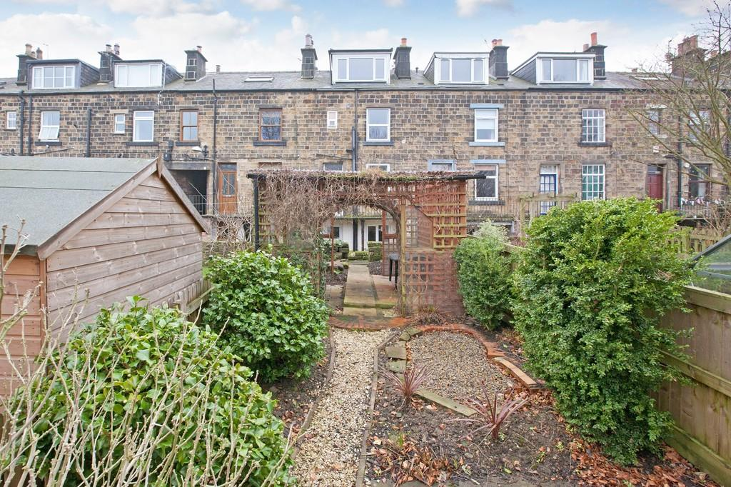 2 Bedrooms Terraced House for sale in Ilkley Road, Otley