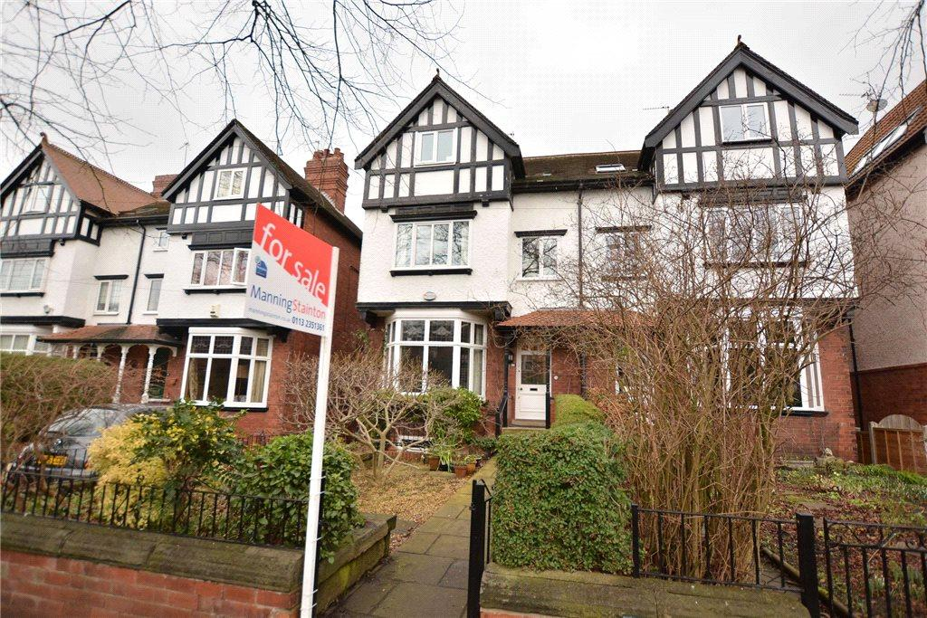 4 Bedrooms Semi Detached House for sale in Shaftesbury Avenue, Roundhay, Leeds