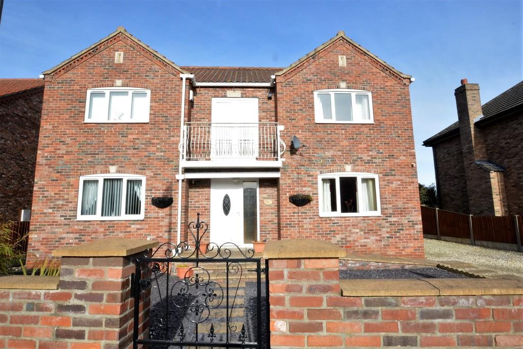 4 Bedrooms Detached House for sale in Carr Lane, Goole